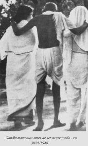 Gandhi a  passos